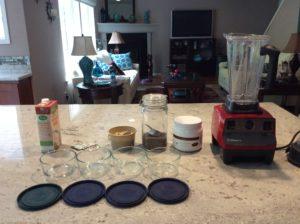 blender and glass bowls