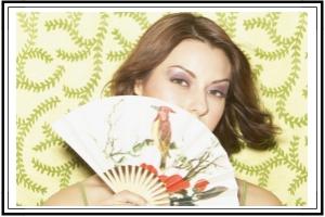 Lady with fan in hand